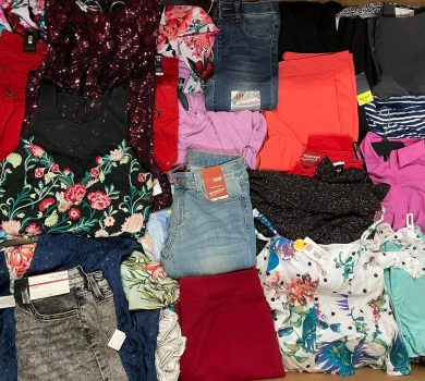wholesale clothing pallets
